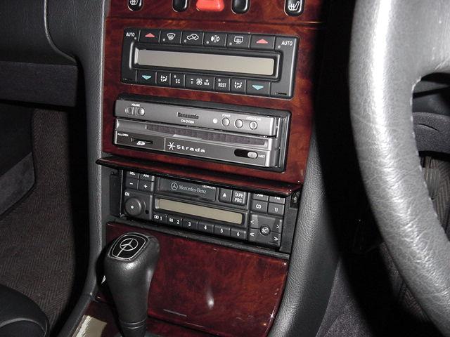 Mercedes-Benz Eクラス(210)1