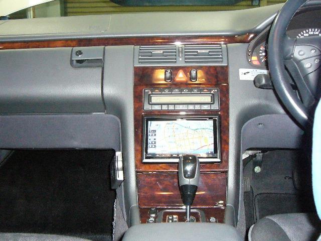 Mercedes-Benz Eクラス(210)4