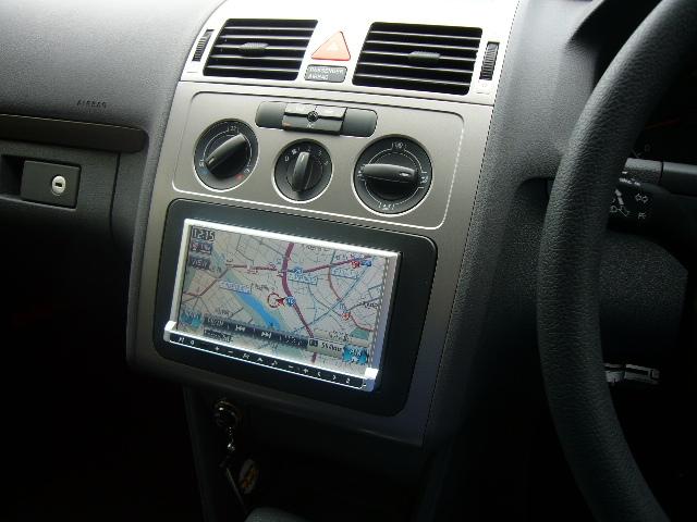 VW トゥーラン(4)